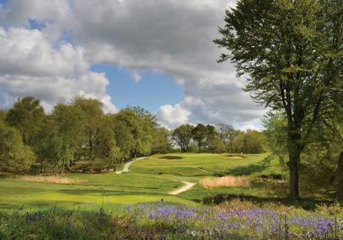 Enjoy a round of golf with family and friends whilst on your self catering holiday