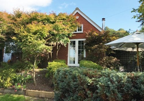 Beautiful tucked away cottage in the New Forest with plenty of outdoor space to enjoy the beautiful views surrounding this holiday let property