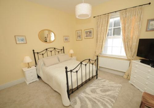 Spacious and bright Double bedroom in Dorset holiday home