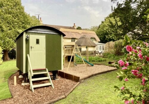 Shepherds hut in delightful New Forest Garden