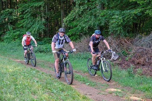 This image has an empty alt attribute; its file name is mountain-bike-3469484__340.jpg