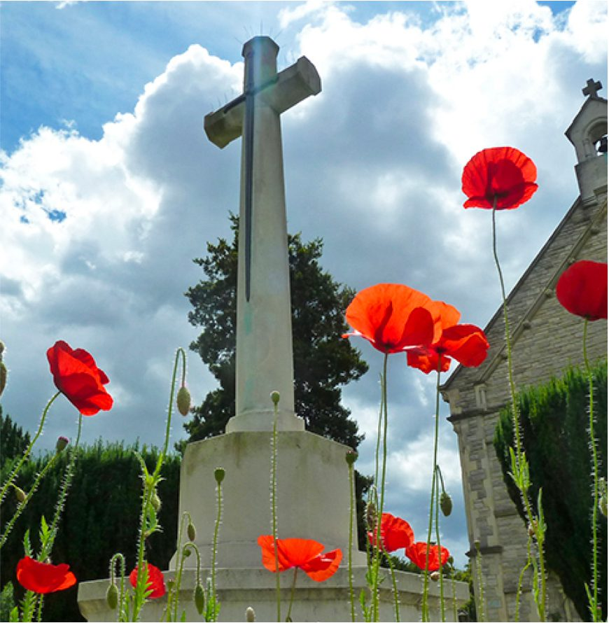 The Cross of Sacrifice in Southampton cemetery signifying graves from both world wars.