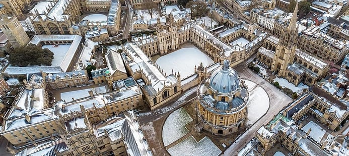 An aerial photograph of Oxfordshire city centre.